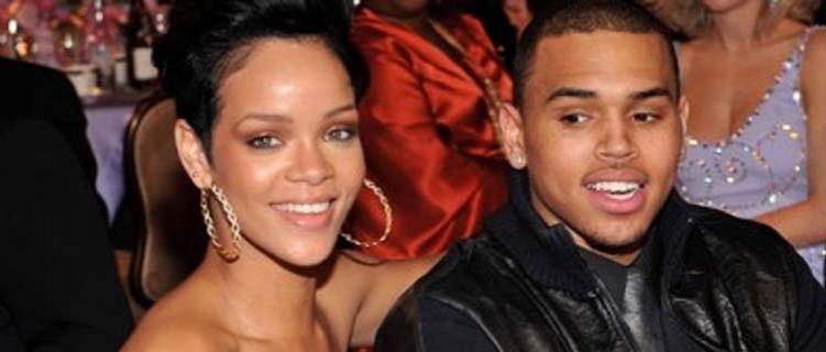 Chris Brown quer voltar com Rihanna, mesmo depois de agressão