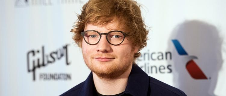 """Ed Sheeran diz que nova música de Taylor Swift, """"Dress"""", não é sobre ele"""