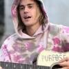 Justin Bieber posta foto com a cabeça totalmente raspada. Veja!