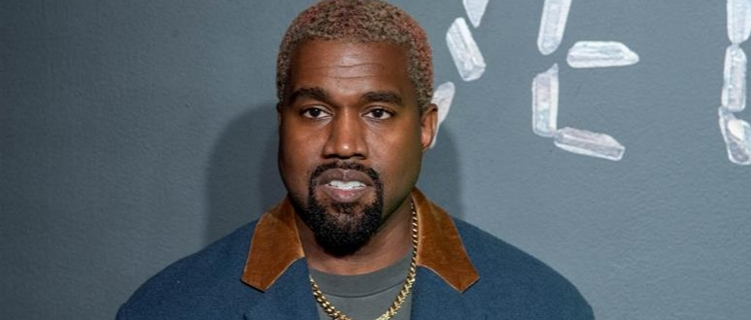 Após pesquisa desanimadora, Kanye West desiste de corrida presidencial nos EUA
