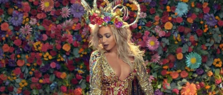 """""""Hymn For The Weekend"""": Parceria de Coldplay e Beyoncé soma 1 bilhão de streams no Spotify"""