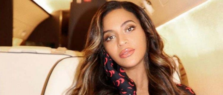 """Beyoncé receberá prêmio de """"executiva do ano"""" pela Billboard"""