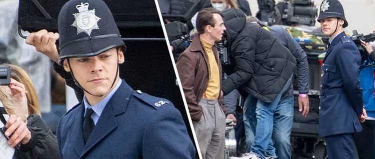 Harry Styles surge de farda nas gravações de 'My Policeman'