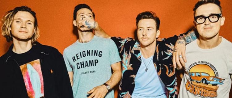 """McFly mostra maturidade no novo e aguardado álbum; ouça """"Young Dumb Thrills"""""""