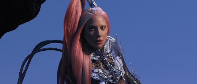 "Lady Gaga coloca 15 faixas do ""Chromatica"" no Top 50 do Spotify Global, incluindo o primeiro lugar"
