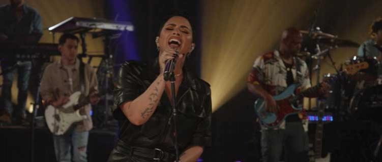 """Demi Lovato arrasa ao apresentar """"The Art of Starting Over"""" em programa de TV"""