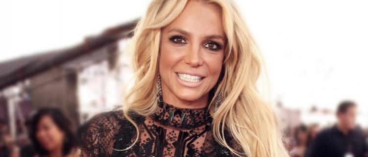Britney Spears faz playlist com músicas favoritas dos anos 2000.