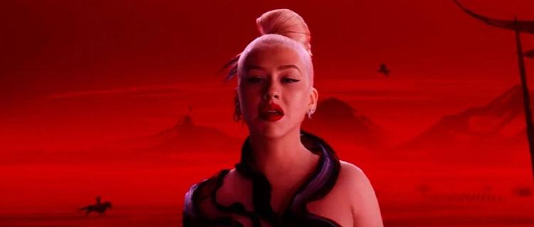 """Christina Aguilera lança clipe para """"Loyal Brave True"""", trilha sonora do filme """"Mulan"""""""