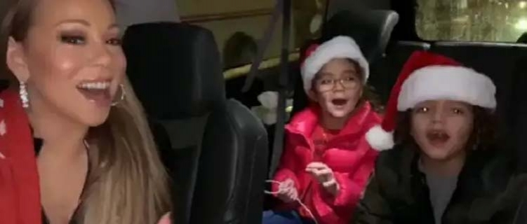 "Orgulhosa, Mariah Carey posta vídeo cantando com seus filhos gêmeos ""All I Want For Christmas"""