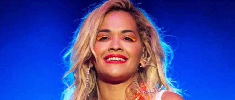 Rita Ora avisa que fará show no Brasil em 2020