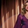 "Kelly Clarkson celebra o espírito natalino no disco ""When Christmas Comes Around…"""