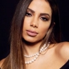 Anitta dá celular de R$ 5 mil de presente para Jojo Todynho
