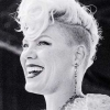 P!nk é a artista feminina mais tocada do século no Reino Unido