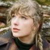 """""""evermore"""", de Taylor Swift, se mantém no topo da parada americana de álbuns pela segunda semana"""