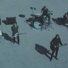 "Foo Fighters lança clipe emocionante para ""Waiting On A War""."