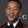 John Legend grava novo clipe em meio à pandemia de coronavírus